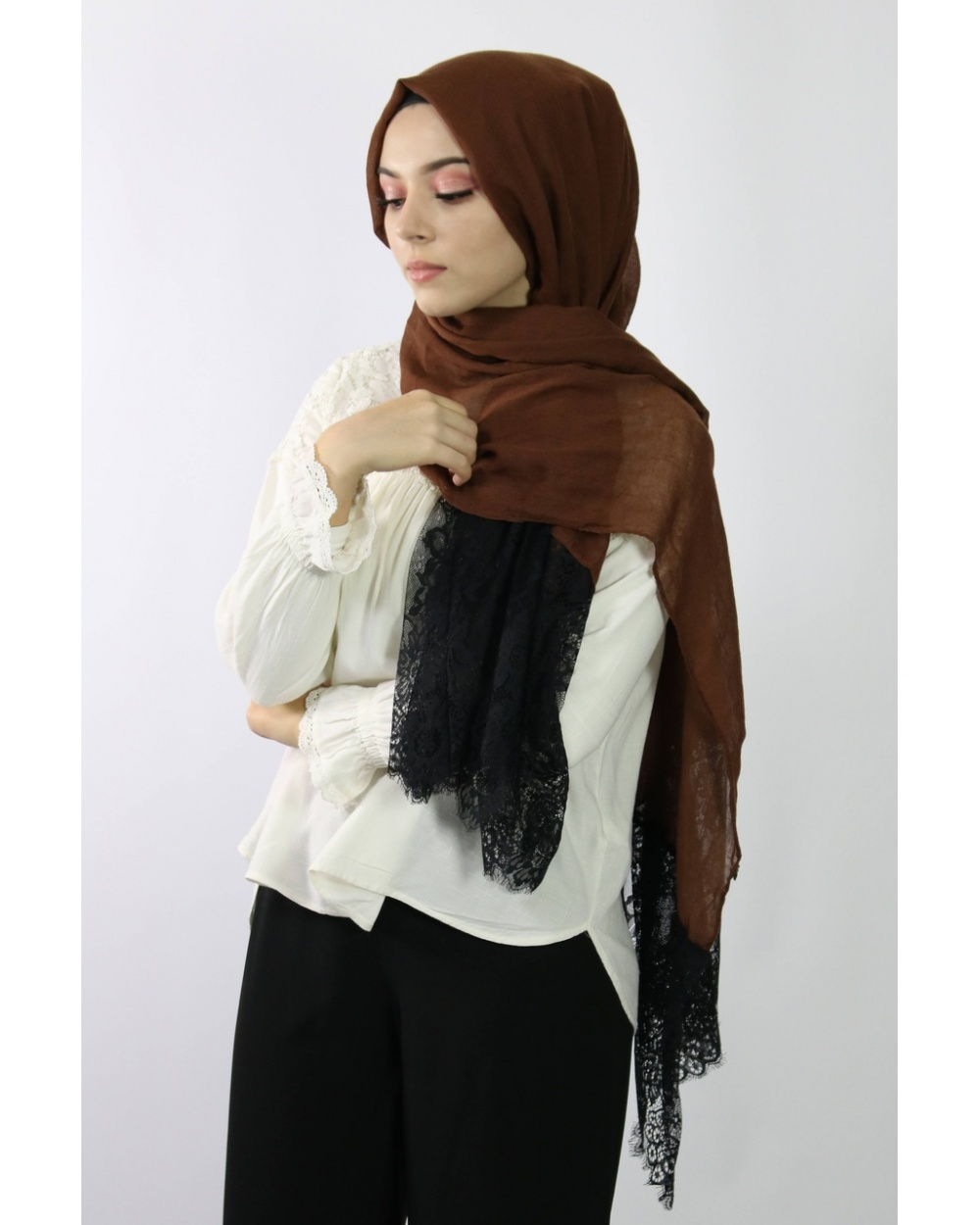 Maxi Hijab Coton PREMIUM avec dentelle marron  ★