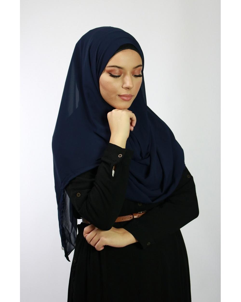 Hijab à enfiler entiérement cousu bleu nuit