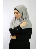 Hijab à enfiler entiérement cousu gris clair