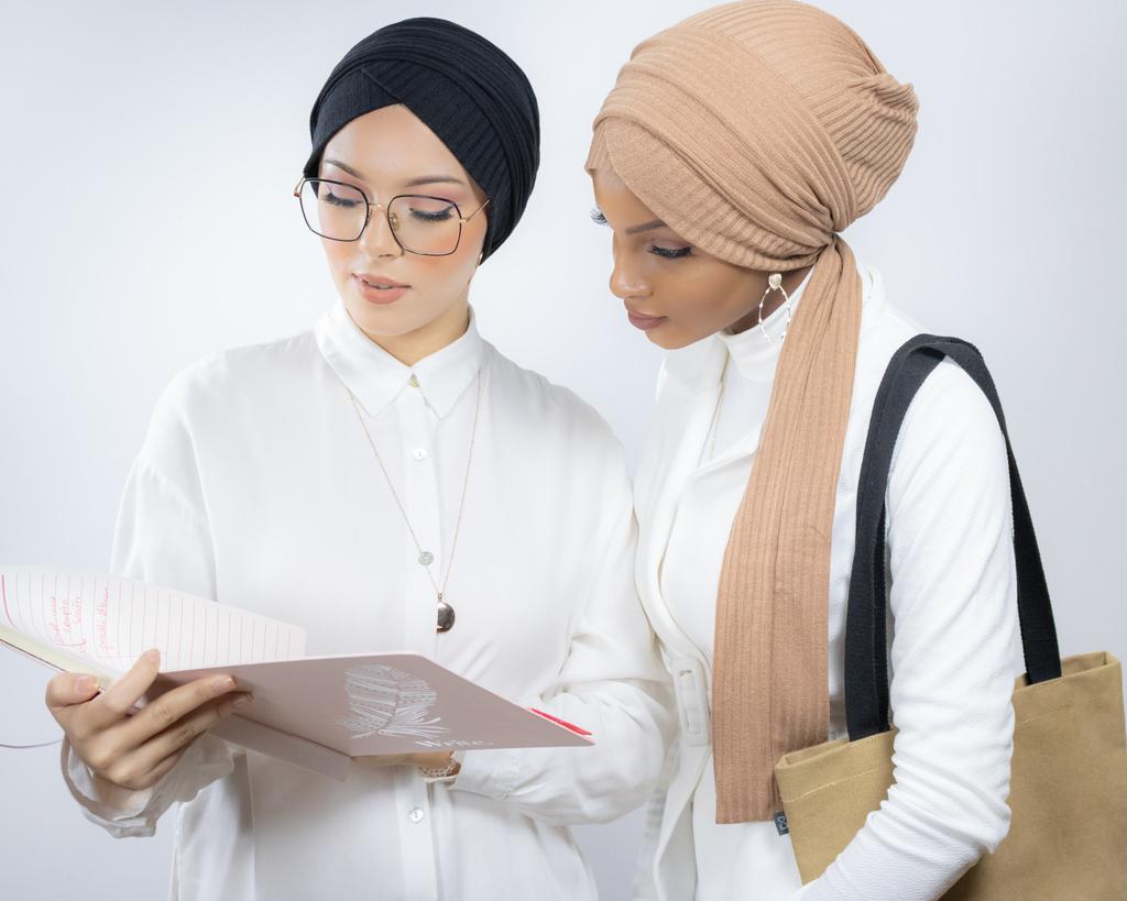 lamis hijab turban travail emploi